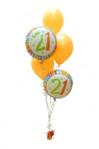 21st%205%20balloons%20staggered%20centrepiece[1]