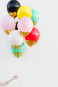 DIY-Confetti-Dipped-Balloons-600x900