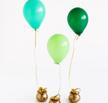 DIY-Pot-of-Gold-Balloon-Surprise4-367x550